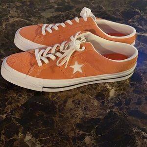 Converse Shoes - Brand NEW low cut Chucks